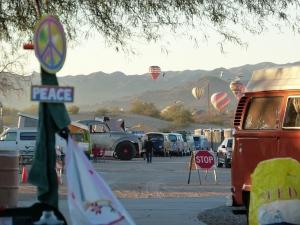 Buses & Balloons